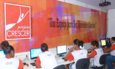 Há mais de 20 anos, a 'Crescer', organização sem fins lucrativos, atua no município de Lauro de Freitas (BA), mais precisamente na comunidade
