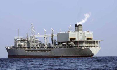 O maior navio de guerra da Marinha iraniana pegou fogo e afundou em circunstâncias pouco claras no Golfo deOmãna quarta-feira,