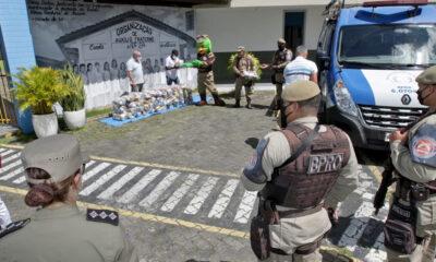 no bairro da Liberdade, em Salvador. Iniciada no dia 10 de julho, a campanha é destinada à arrecadação e doação de alimentos não perecíveis