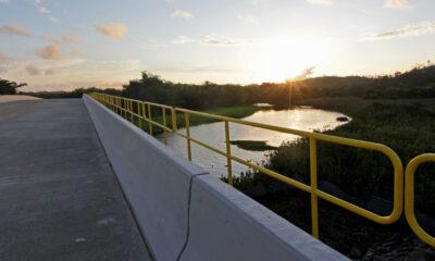 Primeira obra concluída entre as que antecedem a construção do Porto Sul, a ponte sobre o Rio Almada, em Ilhéus, foi inaugurada nesta quarta-feira (1°),
